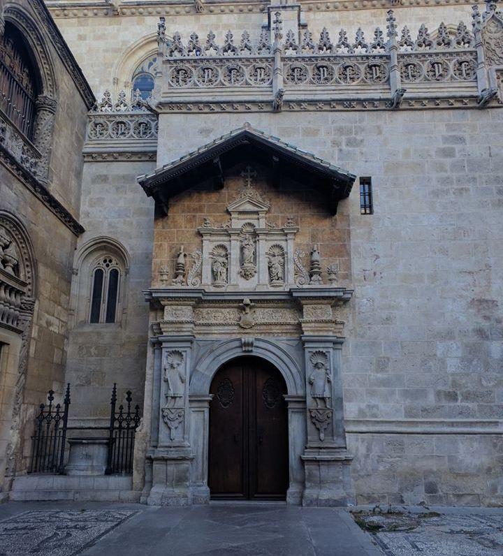 pintu masuk Royal Chapel